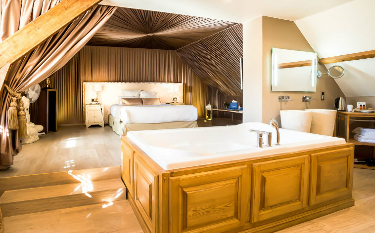 Les Plus Beaux Hotels Avec Jacuzzi Privatif En France Momondo Discover