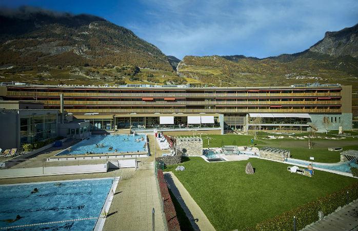 Le nouvel hôtel des bains de Saillon, un complexe moderne avec vue sur les vignes